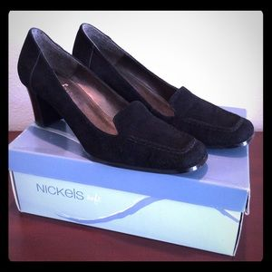 "Nickels Soft ""Hammer"" Black Suede Pump 8M"